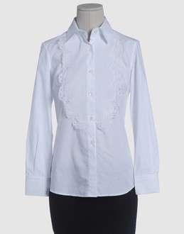 camisa blanca simple