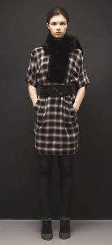 vestido cuadros negros