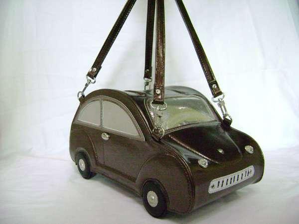 bolso con forma de coche