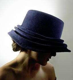 sombrero azul charo iglesias
