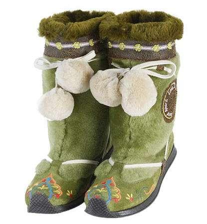 botas con pompones ras