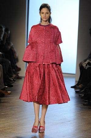 armand basi vestido fresa london fashion week
