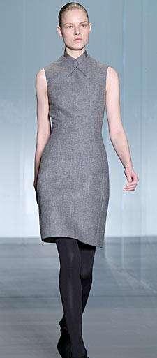 calvin klein vestido gris oscuro
