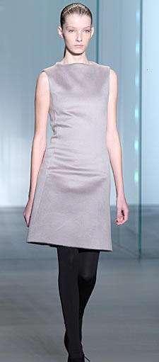 calvin klein vestido gris