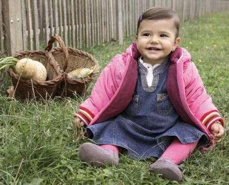 niña vestida de rosa naturaleza chiquiboy