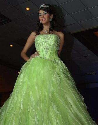 lupana vilchez vestido verde