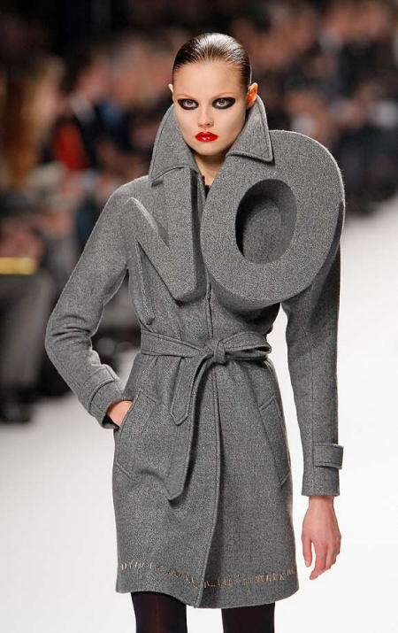 Viktor and Rolf rompen esquemas en paris