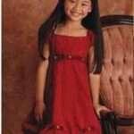 un vestido rojo fiesta niña