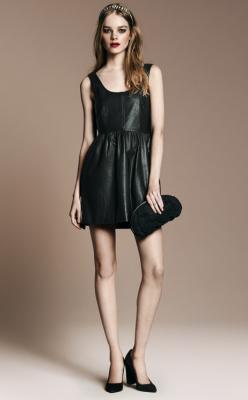 Vestido negro cuero de zara