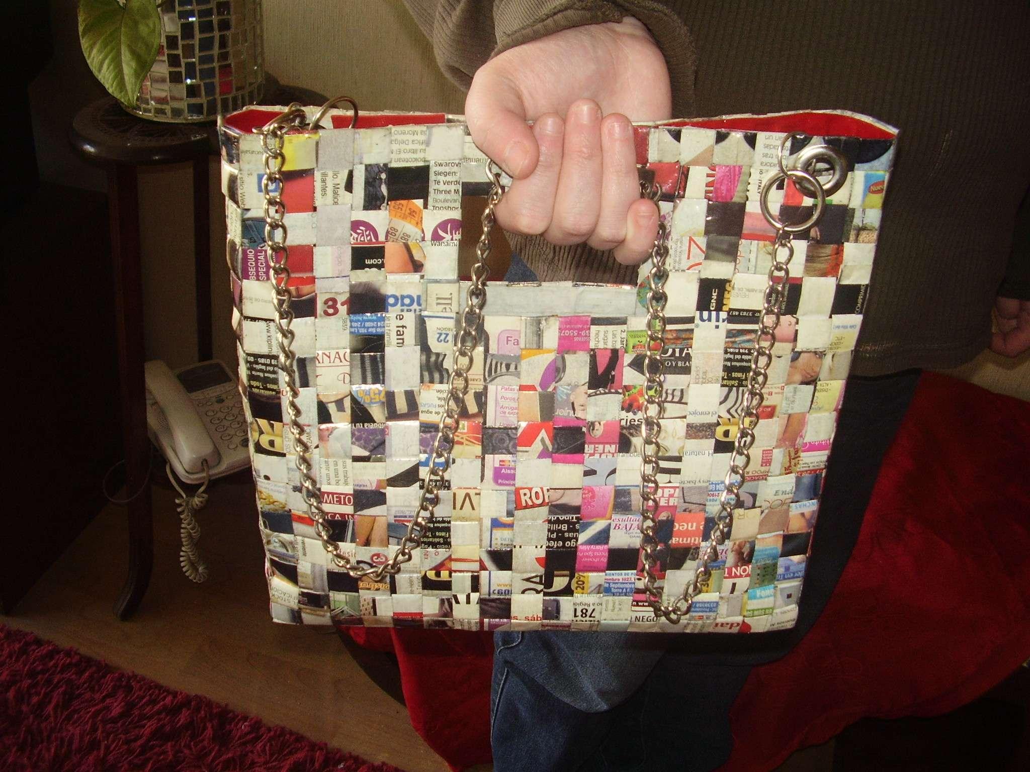 Carteras de papel reciclado - Estás de Moda: Revista de moda para