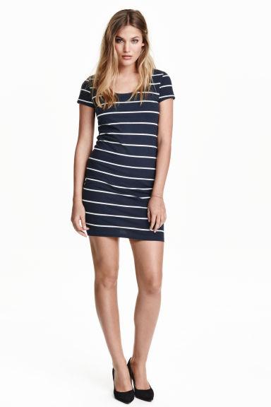 vestidos de verano - Vestido de rayas H&M / 9,99€