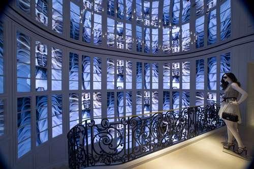 Dior Taipei videowal desde la primera planta