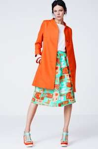 abrigo naranja hym
