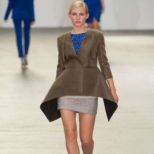 Peplum de Antonio Barandi en la London Fashion Week
