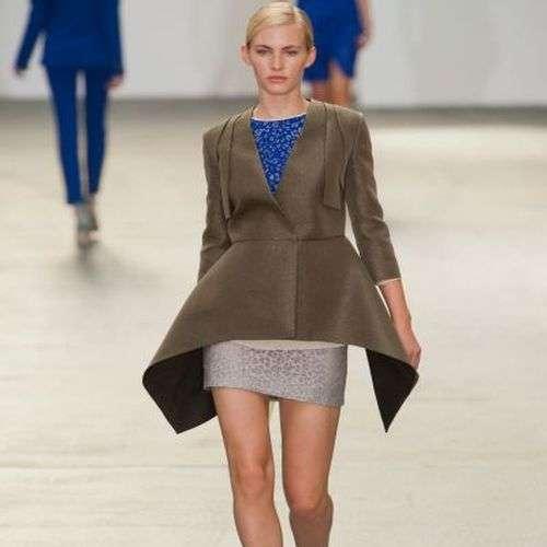 Peplum de Antonio Barandi en la London Fashion Week