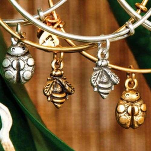 Alex and Ani diseña brazaletes para el invierno 2012/2013