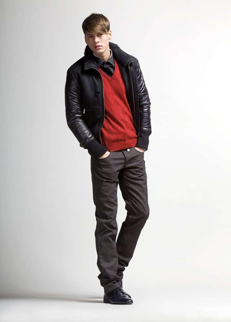 ebb13dc403 Ropa para hombre otoño 2012 Moschino - Estás de Moda  Revista de ...