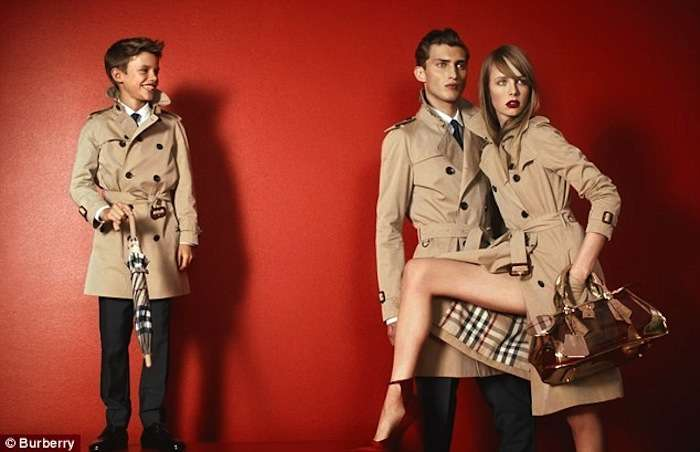 Romeo Beckham es el nuevo modelo de Burberry London