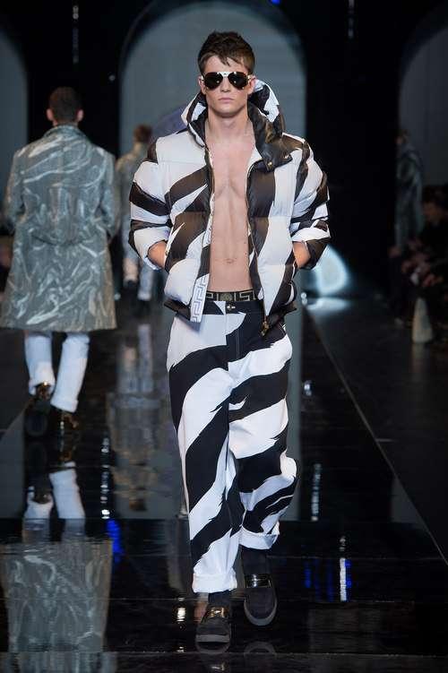 Estrafalarios diseños de Versace para la moda masculina Otoño/Invierno 2013/2014