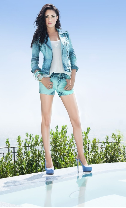 b--guess-ss13-look-book-35840-8
