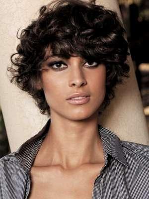 lo tienes ondulado que los rizos son lo tuyo cualquier textura de cabello se ve favorecida con una melenita corta y el pelo corto with look pelo corto
