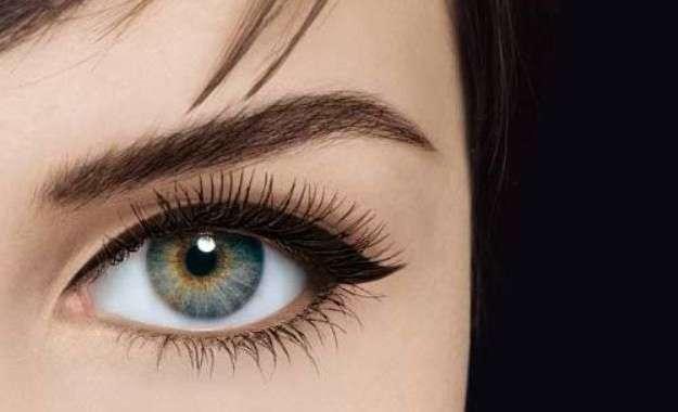 eyeliner ojos más grandes