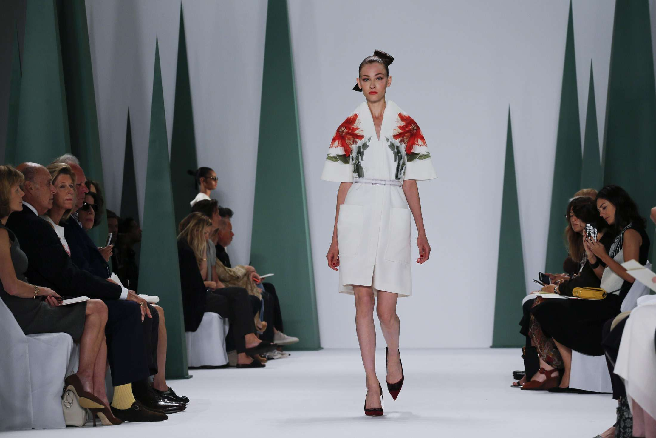 CAROLINA HERRERA NEW YORK _ SPRING 2015_ 3