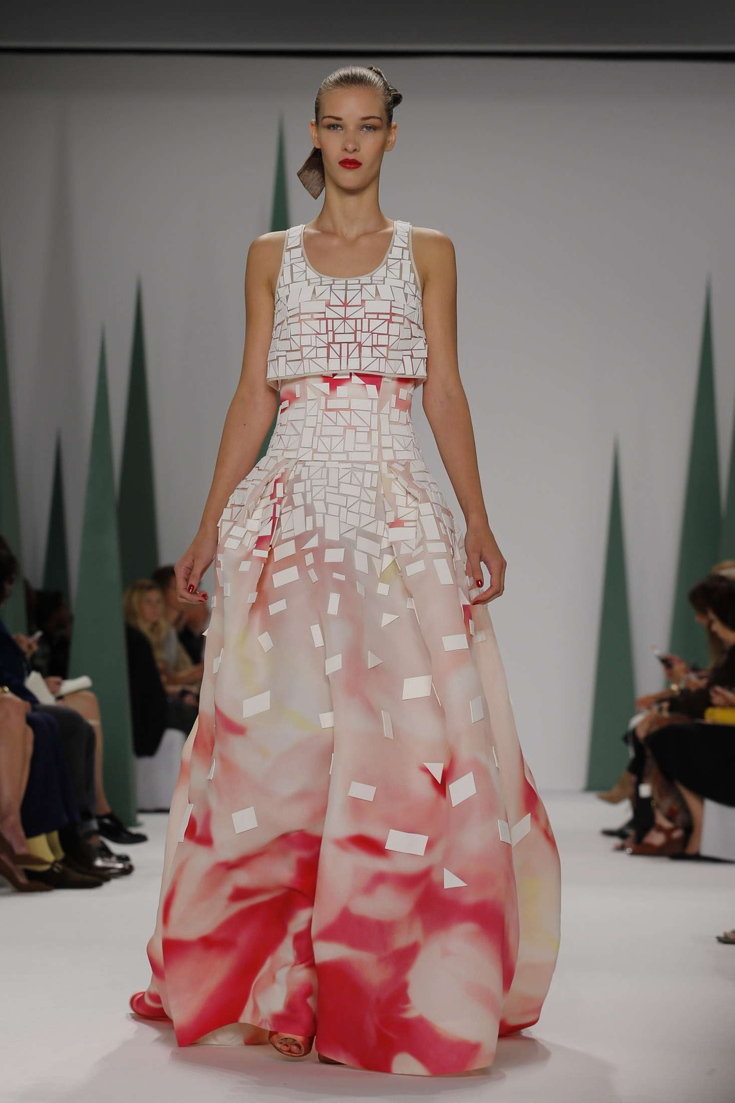 CAROLINA HERRERA NEW YORK _ SPRING 2015_ 9