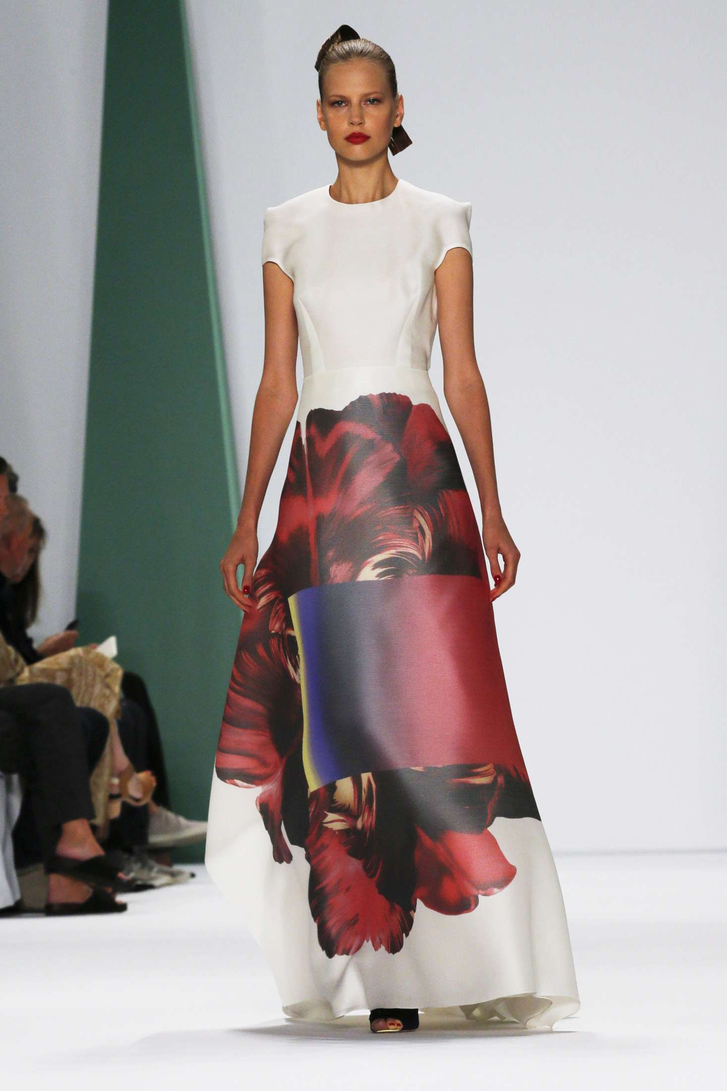 CAROLINA HERRERA NEW YORK_SPRING 2015_1