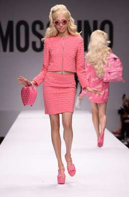 Las Barbies de Moschino invaden Milán