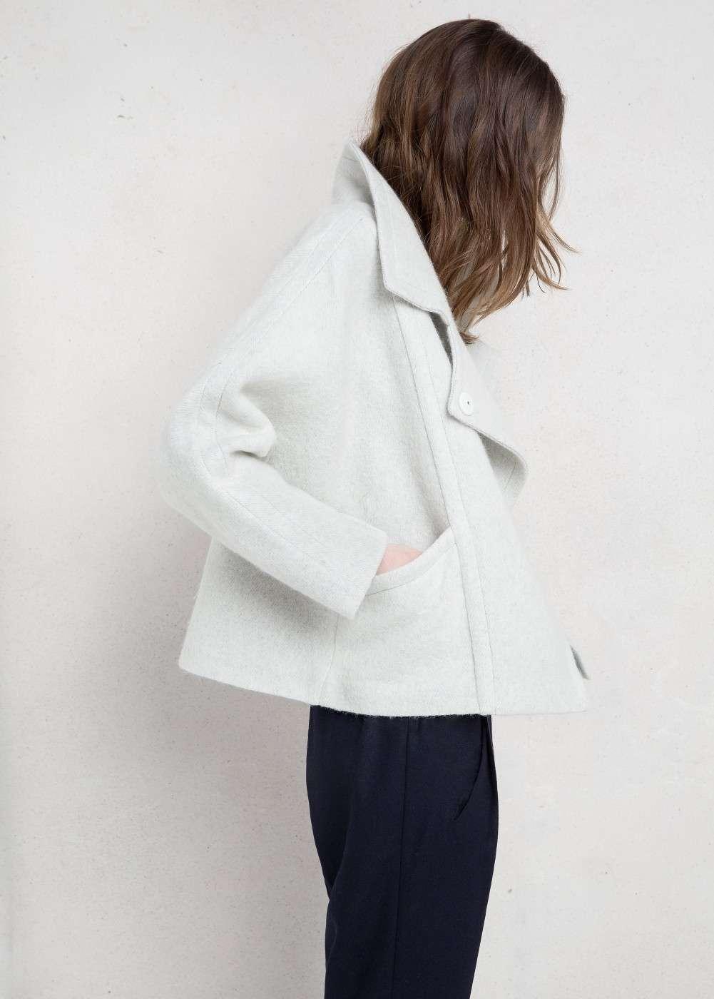 abrigo gris claro mango