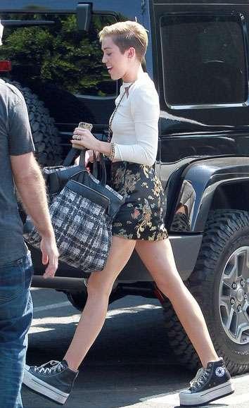 Flatform sneakers, la moda de otoño que nos trae Miley Cyrus