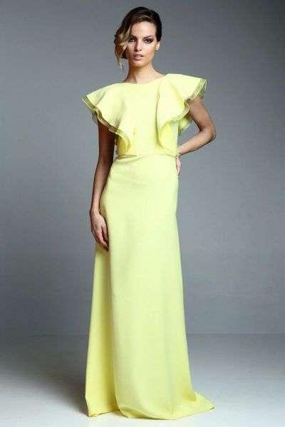 vestido amarillo con mangas para boda de noche