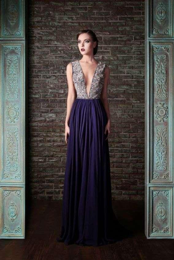vestido con escote largo para boda de noche
