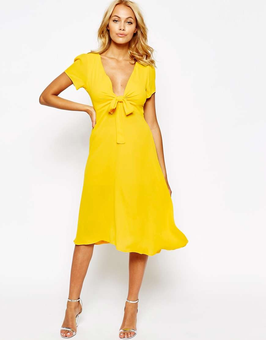 vestido cruzado con lazo