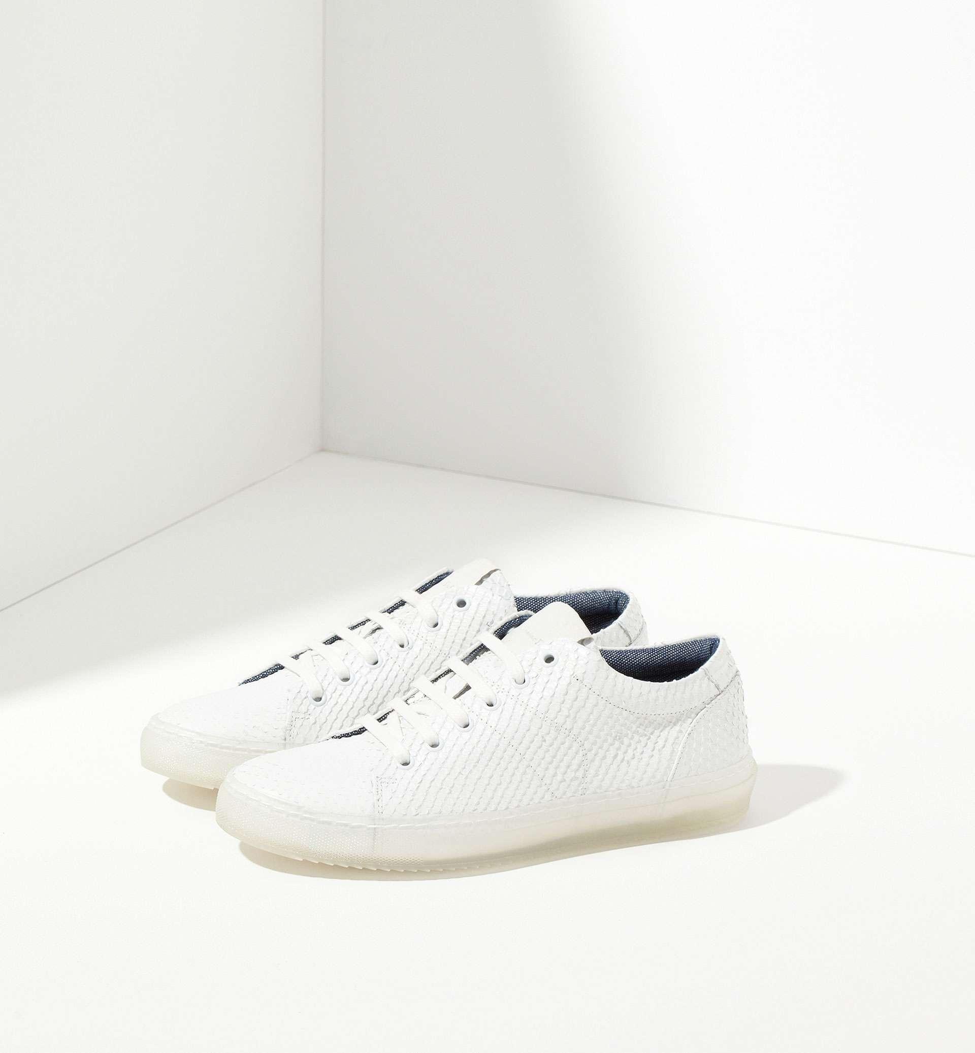 imprescindibles de moda - zapatillas blancas