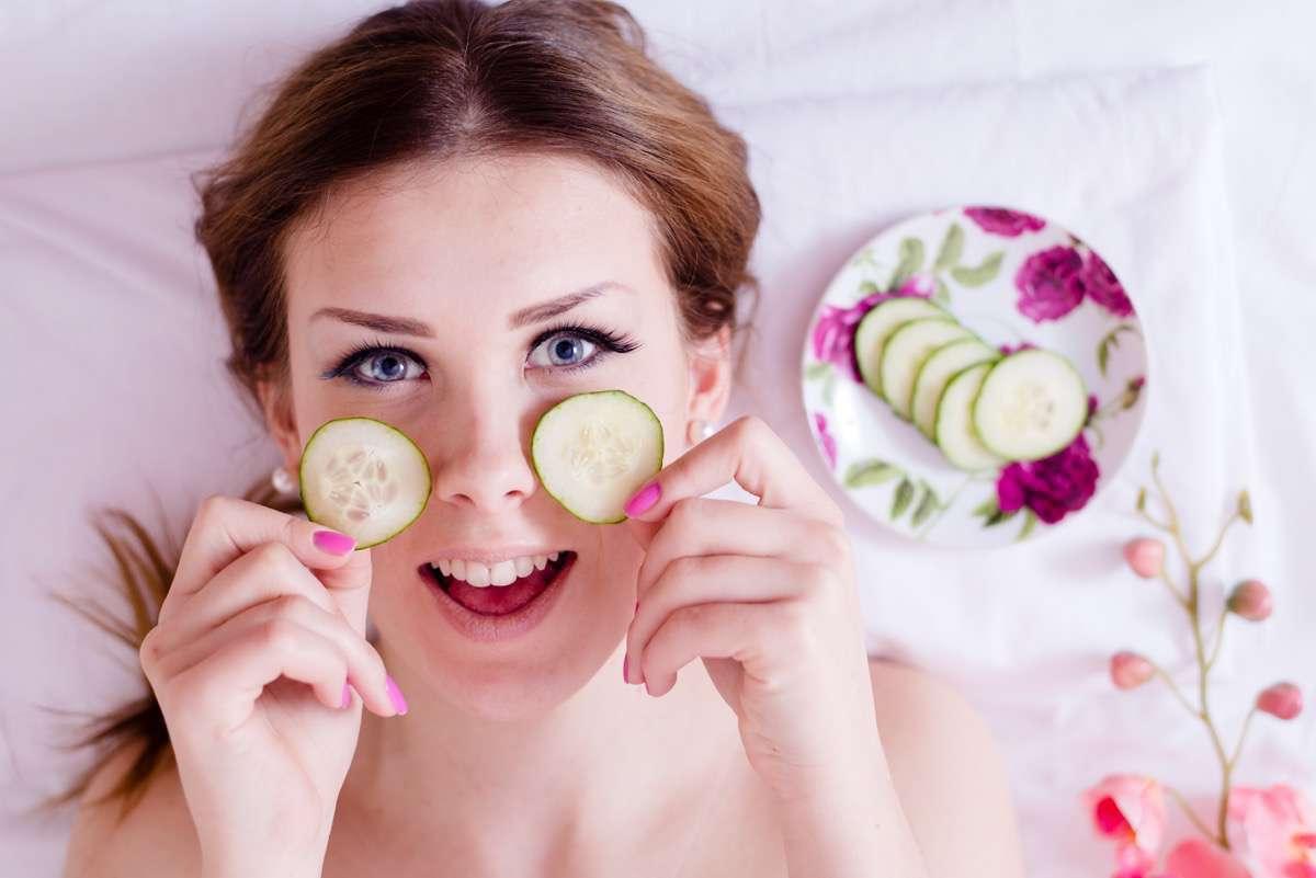 pepinos para desinflamar las ojeras