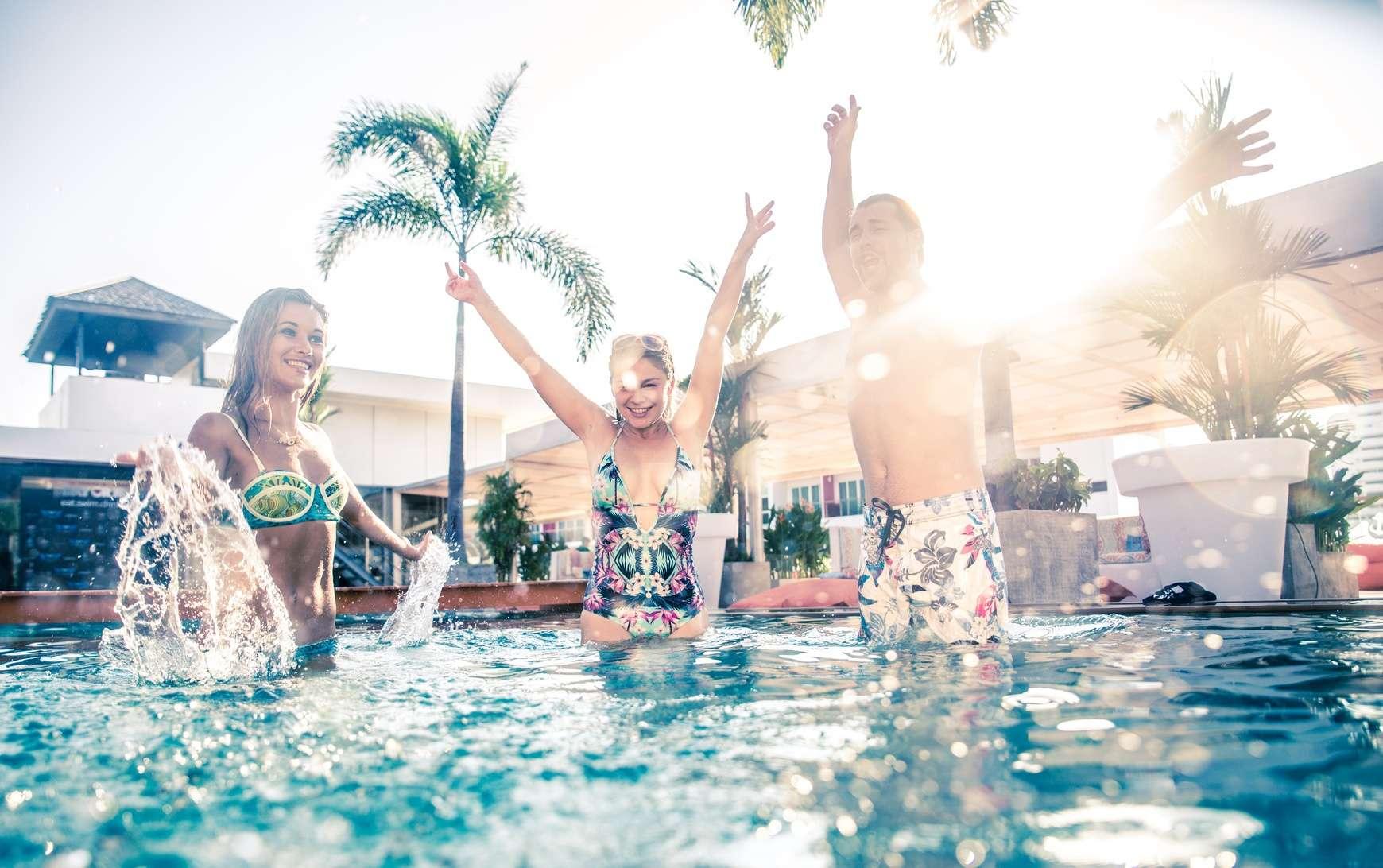 proteccion solar piscina