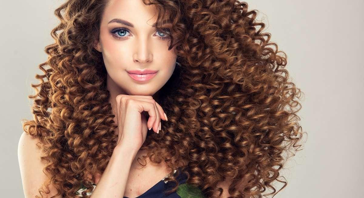 pelo con rizos duraderos