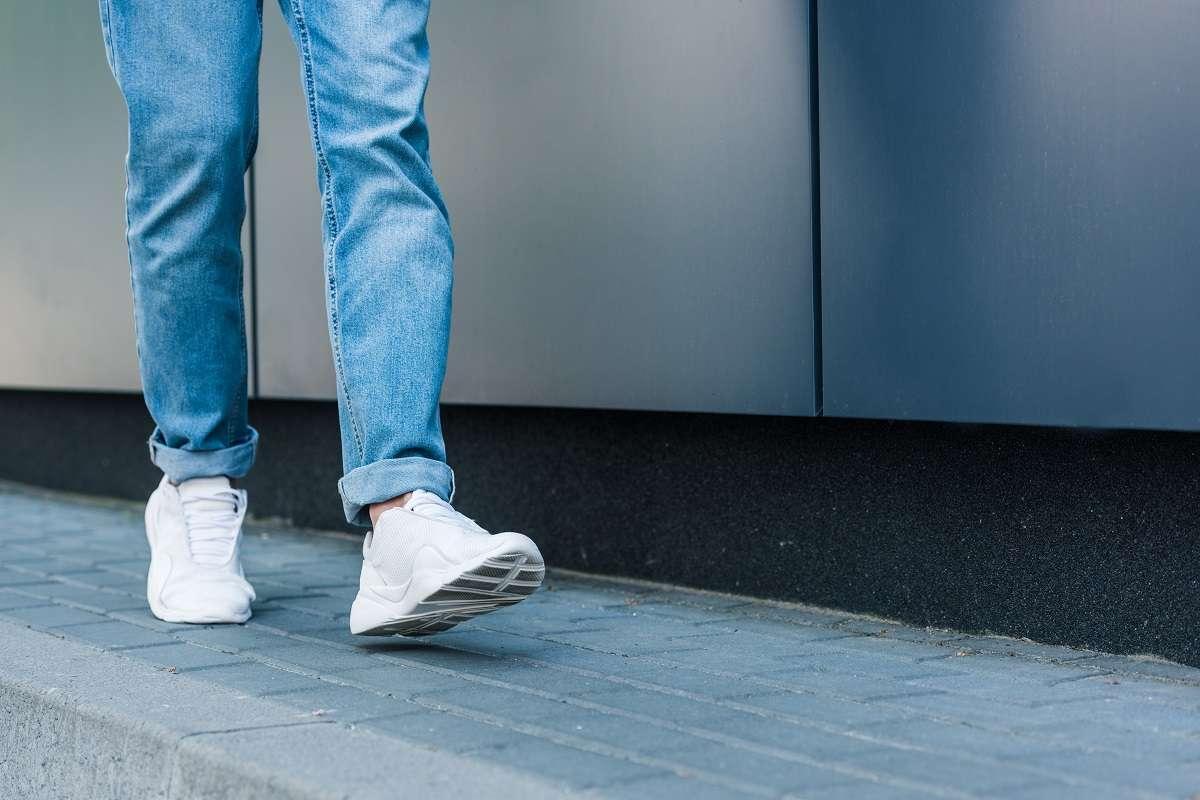 Zapatillas blancas, un must que va con todo