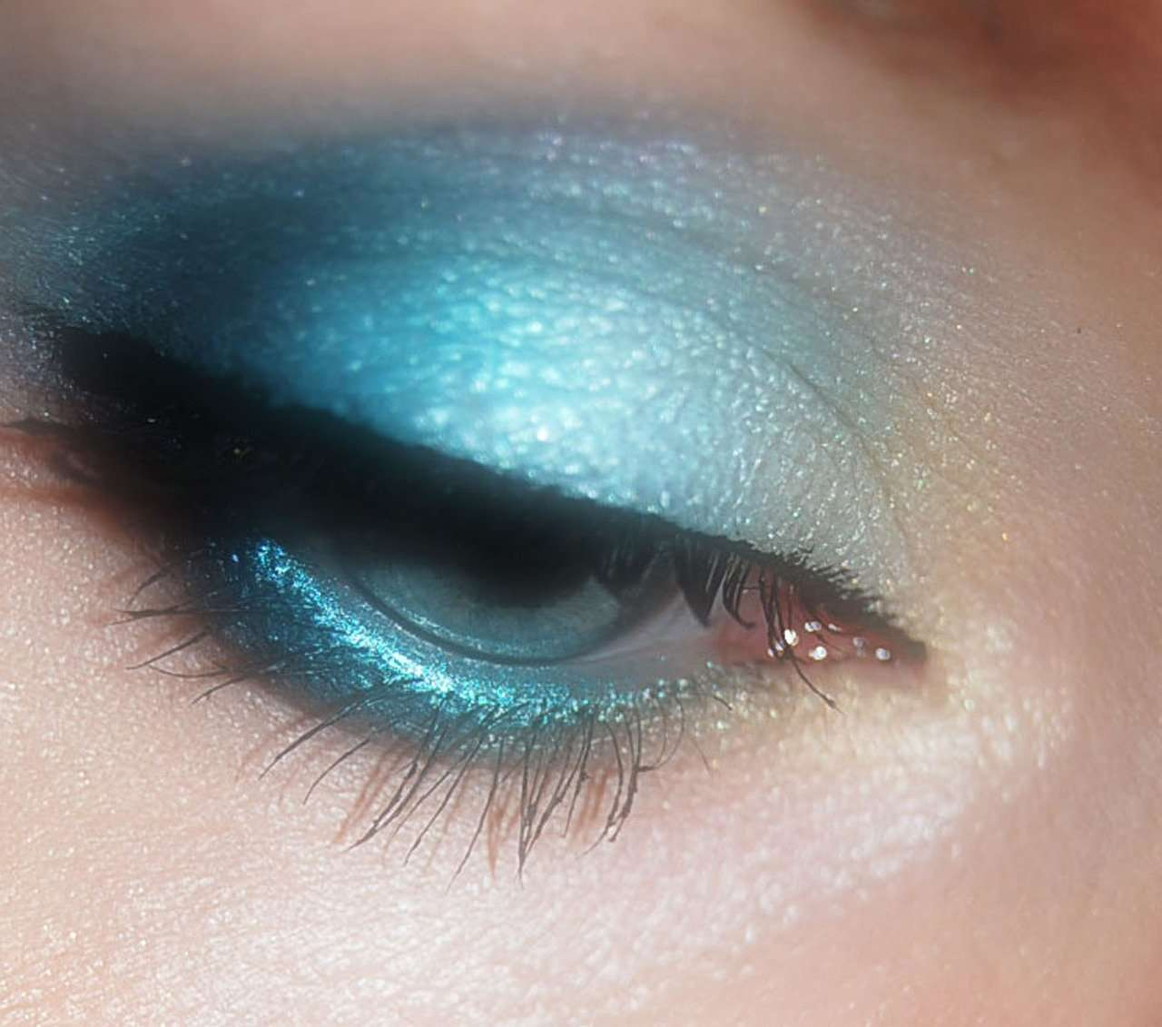 maquillaje de ojo monocromatico